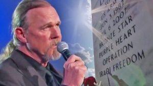 "Trace Adkins Remembers Fallen Troops In Memorial Day Performance Of ""Arlington"""