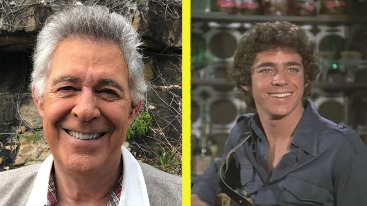 """'The Brady Bunch' Actor Barry Williams Says The Show Was """"Intense"""" & """"Awkward"""" 