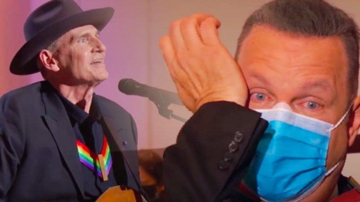 """Garth Brooks Cries Watching James Taylor Sing """"The River"""" At Kennedy Center Honors 