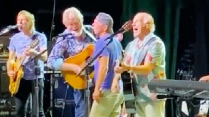 "Kenny Chesney Joins Jimmy Buffett To Sing ""Margaritaville"" In Nashville"