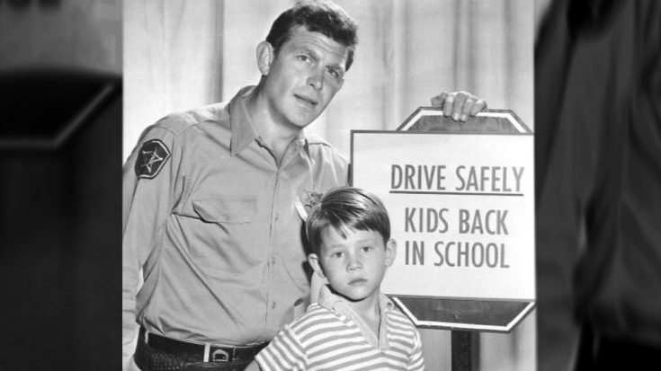 """Cast Member Claims Andy Griffith Would """"Discipline"""" Ron Howard On Set   Classic Country Music Videos"""