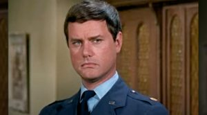 """""""I Dream Of Jeannie's"""" Larry Hagman Once Stopped An Actor From """"Attacking"""" A Pilot"""
