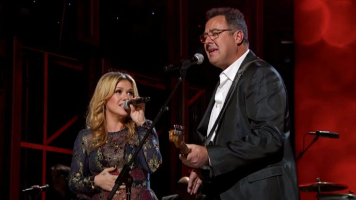 Vince Gill Responds To Kelly Clarkson's Cover Of His Song   Classic Country Music Videos