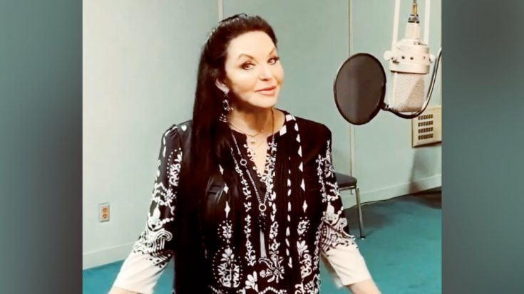 Crystal Gayle Has Thought About Cutting Her Hair   Classic Country Music Videos