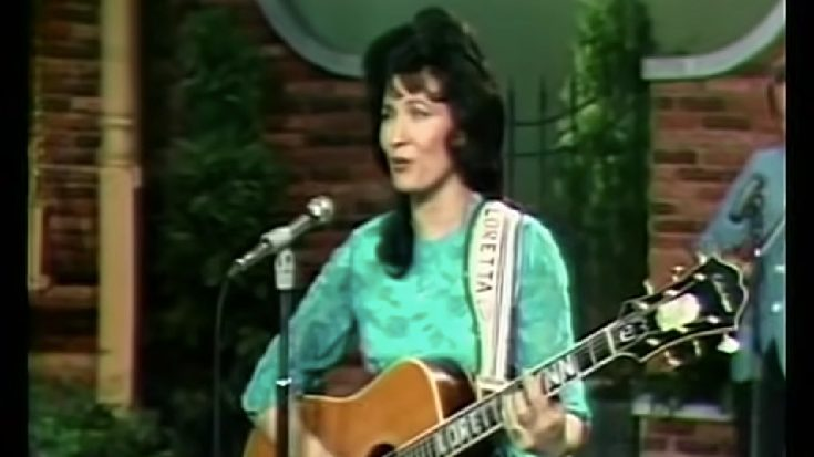 """WATCH: Loretta Lynn's """"You Ain't Woman Enough"""" Released On This Day 55 Years Ago"""