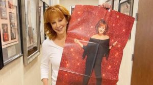 Reba McEntire Debuts New Hairstyle During Opry Performance