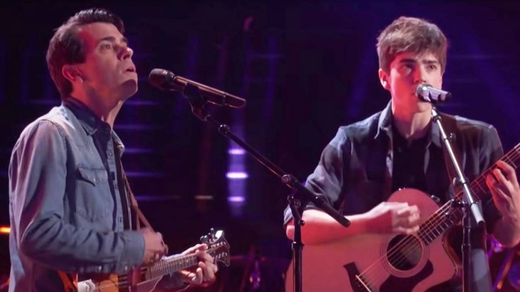 Father-Son Duo Turns Down Kelly Clarkson After John Denver Blind Audition | Classic Country Music Videos
