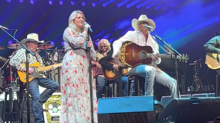 """Alan Jackson's Daughter Joins Him On Stage To Sing """"You'll Always Be My Baby""""   Classic Country Music Videos"""